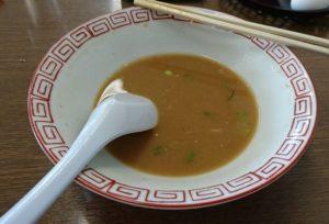 和歌山の中華そばの豚骨スープ